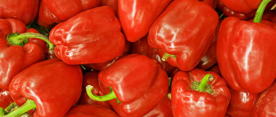 Image of peppers to introduce the natural pigments section